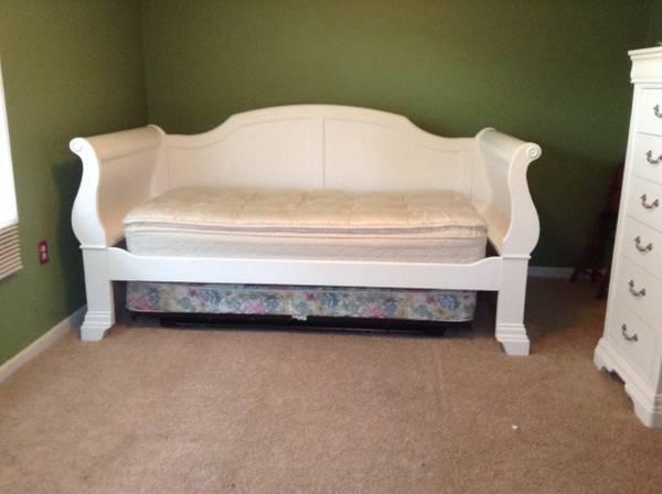 WHITE DAYBED TRUNDLE BEDROOM SET Solid Wood