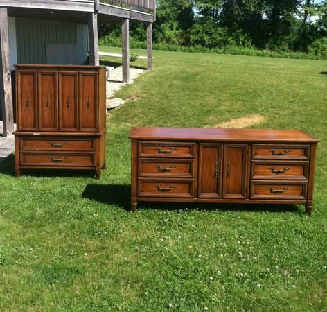 White fine furniture dressers for sale in dayville for White couches for sale