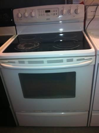 White Kenmore Glass Smooth Top Range Self Cleaning For