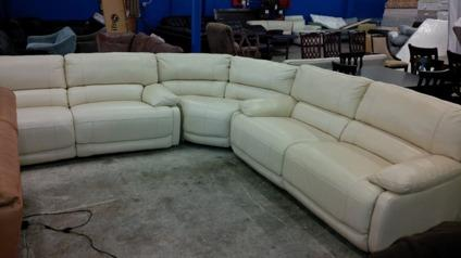 white leather mororized reclining sofa sectional for sale in renton washington classified. Black Bedroom Furniture Sets. Home Design Ideas