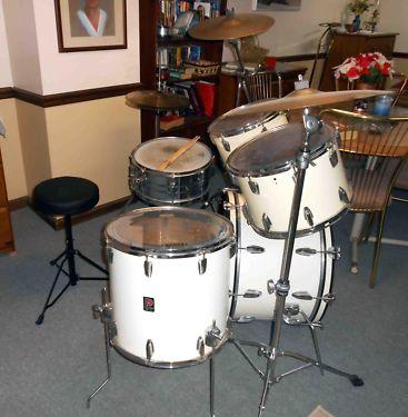 white pearl premier drum kit for sale in monroeville pennsylvania classified. Black Bedroom Furniture Sets. Home Design Ideas