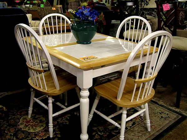 White Tile Top Dining Set Butterfly Leaf 4 Chairs Eugene Liquidators For Sale In Eugene
