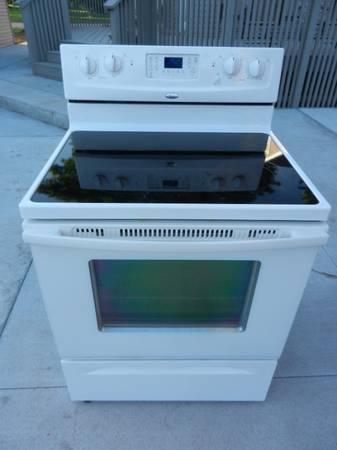 White Whirpool Accubake Glass Top Stove For Sale In