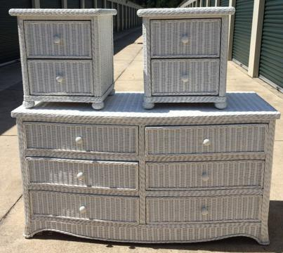 White Wicker Bedroom Furniture: Dresser and 2 nightstands ...