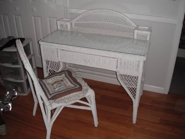 White Wicker Vanity Chair For Sale In Tappan New York