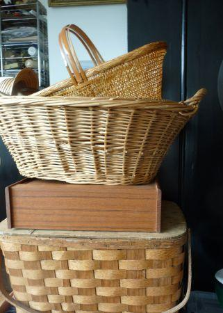 WICKER WASH BASKET, SPLIT OAK PICNIC BASKET, SPLIT