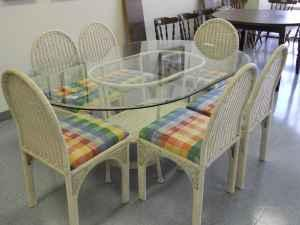 Wicker Dining Table W Glass Top And 6 Wicker Chairs