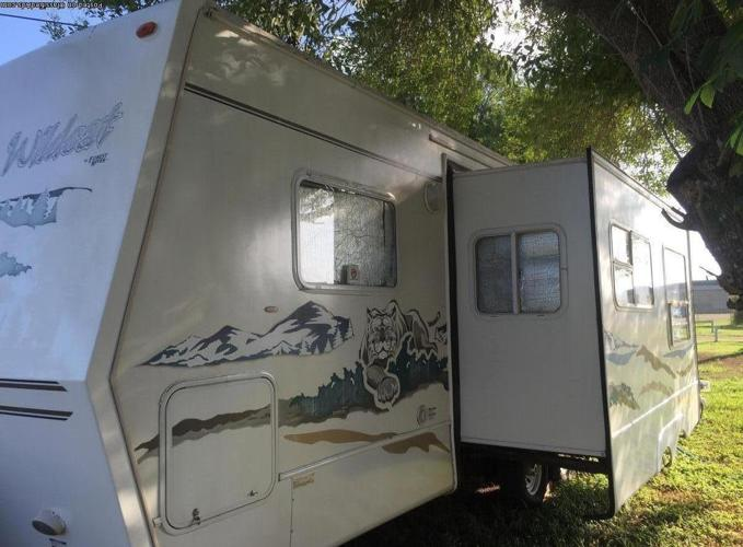 Wildcat by Forest River 2005 travel trailer slide out
