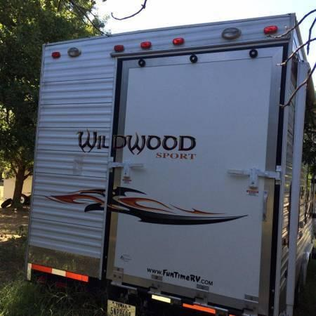 wildwood 27 39 bumper pull camper toy hauler lillian for sale in burleson texas classified. Black Bedroom Furniture Sets. Home Design Ideas