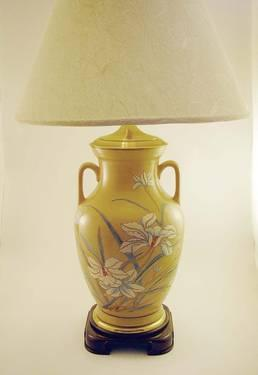WILDWOOD HAND-PAINTED PORCELAIN TABLE LAMP! BEAUTIFUL!