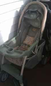 Winnie the pooh Stroller and carseat set - $50