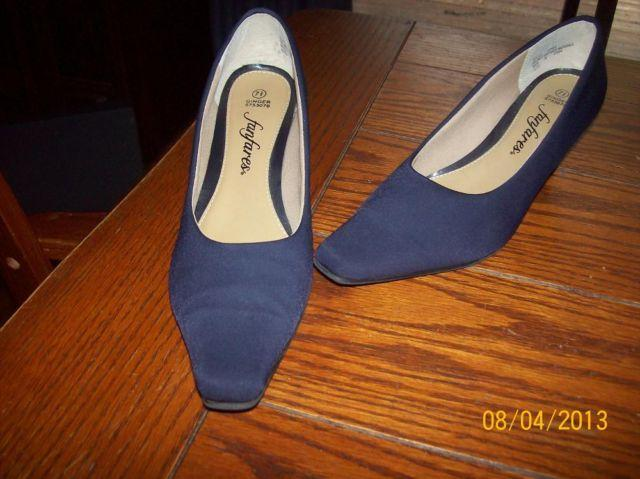 Women's Shoes sizes 7-8 for sale in Derby, Kansas