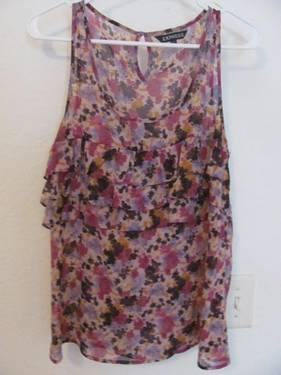 Womens clothing XXI and EXPRESS