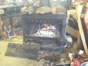 wood burning stove - $100 (lancaster)