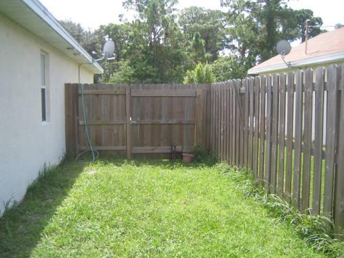 Wood Fence 6ft Pressurized Shadow Box Fence With Post