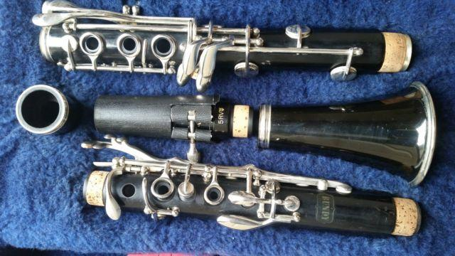 Wood Selmer Bundy Clarinet in Excellent condition