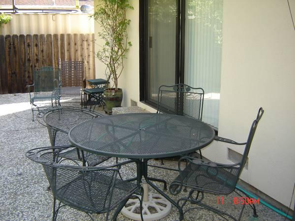 Woodard Briarwood Patio Table And Chairs For Sale In
