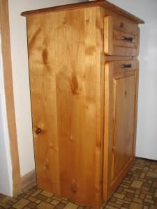 Wooden Garbage Holder With Drawer Oshkosh Wi For Sale In Appleton Wisconsin Classified