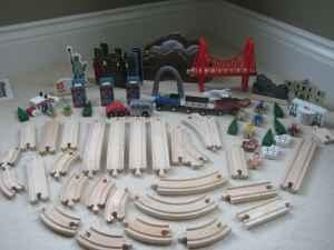 Wooden Train Set Includes Play Mat Excellent Condition