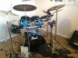 WOW  NEW PRICE Pearl Export  Remo Electronic hybrid - $800 Medford