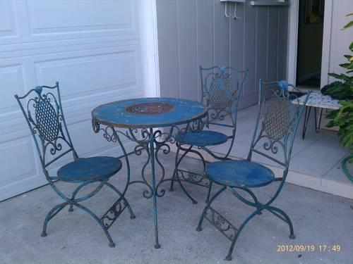 Wrought Iron Bistro Patio Table and Three Chairs for Sale in San Diego Calif