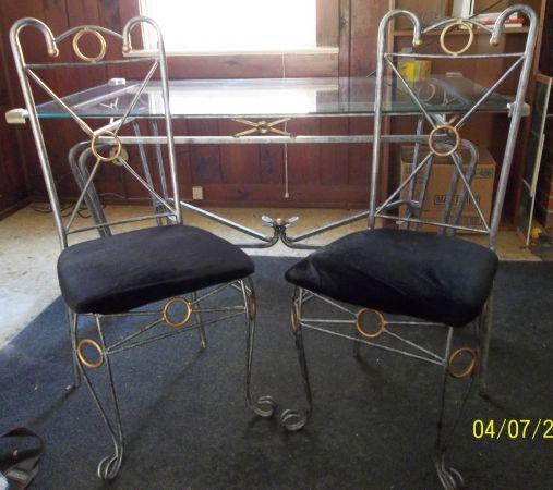 Wrought Iron Kitchen Table With Glass Top And 4 Matching