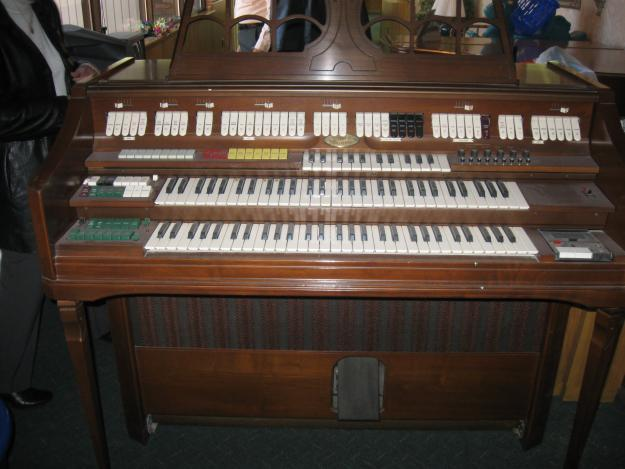 Wurlitzer Church Organ Sounds And Plays Awesome For Sale