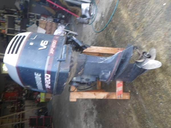 XP 200 HP EVINRUDE OUTBOARD BOAT MOTOR - $500
