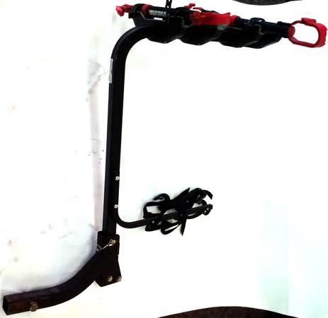 yakima 4 bike hitch mount rack in stock for sale in johnson city tennessee classified. Black Bedroom Furniture Sets. Home Design Ideas