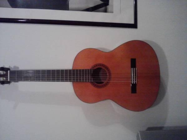 yamaha classical guitar cg 110sa for sale in forrester. Black Bedroom Furniture Sets. Home Design Ideas