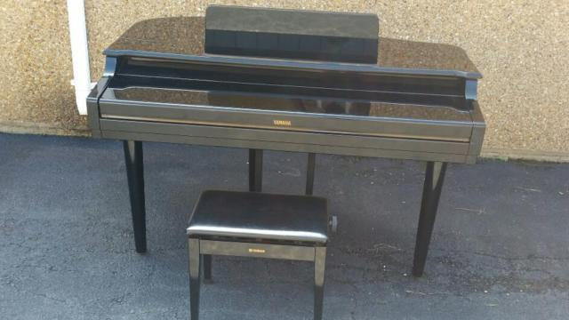 Yamaha clavinova cvp 700 baby grand digital piano for sale for Used yamaha clavinova cvp for sale