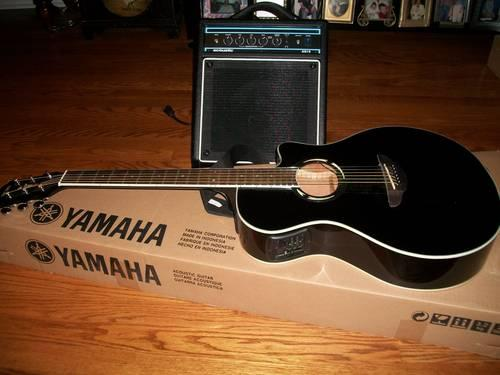 yamaha electric acoustic guitar w amplifier for sale in knoxville tennessee classified. Black Bedroom Furniture Sets. Home Design Ideas