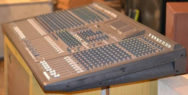 yamaha ga 24 12 24 channel mixer for sale in east peoria illinois classified. Black Bedroom Furniture Sets. Home Design Ideas