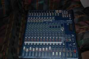 YAMAHA MG166CX MIXER - $250 (DANDRIDGE , TN)