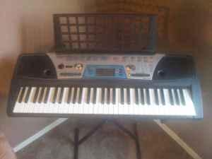 Yamaha PSR-170 61 Key Electronic Keyboard PSR170 - $45