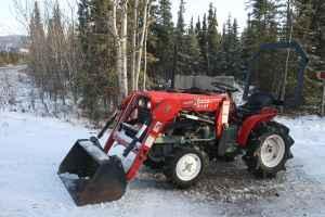 Yanmar 18hp 4x4 Tractor W-Loader - $8500 (Fair / Anch)