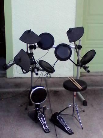 Yoki Dd608 Electric Drum Set For Sale In Sebring
