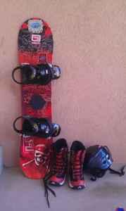 youth / Burton snowboard package - $75 (Arvada)