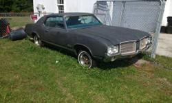 Parting out a 1971 Cutlass Supreme and a 1972 Cutlass S. Bucket Seats, center consoles, all of the trim is still on both automobiles.  Hood $100.00. Door $75.00. Trunk Lid $45.00. Container seats $450