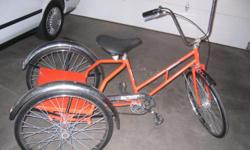 Worksman industrial tricycle. Solid rubber tires - no flats! Welded steel construction. Front drum break. Single speed coaster. Overall good condition, ready to ride, very minimal rust. Check pictures