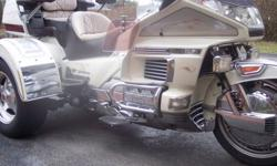 TOOK THIS BEAUTIFUL HONDA GOLDWING 1500 TRIKE IN ON TRADE, OR PART OF PAYMENT. I AM NOT A DEALER. PRIVATE SELLER. TRIKE HAS REVERSE GEAR, CRUISE,CB RADIO, INTERCOM,STEREO,AIR RIDE WITH COMPRESSOR. NEW