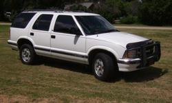 Sharon Springs KS, Near Colorado/Kansas BorderThis is a very nice, extremely well maintained Blazer. It has 163797 miles.Automatic transmission, push button four wheel drive, power windows and locks.