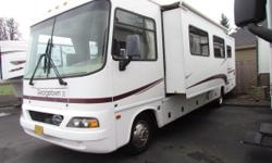 * 2004 33' FOREST RIVER GEORGETOWN MOTORHOME RV * MODEL-325SSE * ONLY 19K MILES * ONAN 4000 WATT GENERATOR * LOTS OF STORAGE * SUPER NICE AND CLEAN * ON SALE NOW $25,900 FINANCING IS AVAILABLE W/CREDI