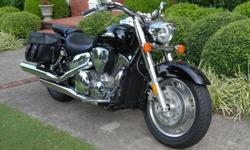 Year: 2006 Make: Honda Model: Vtx 1300R Type: Cruiser Location: Marietta, GA Mileage: 3300 VIN: 1HFSC52696A306184 Color: Black Secondary Color: Chrome Engine Size: 1,312 cc Engine Type: V-twin