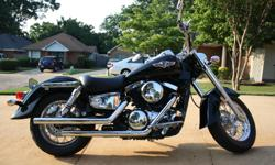 """2006 Kawasaki """"Vulcan 1500 Classic� Motorcycle. High Gloss Black and Billet Chrome. This beautiful eye catching cruiser has 6,500 miles. Motorcycle is adult owned, garage kept, in excellent conditio"""