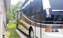 DISCOVER THE ROMANCE OF THE ROAD with this 2007 Holiday Rambler Scepter 42SFT diesel Class A motorhome. When you wrap urself in the style and luxury of the 2007 Scepter, you can't help but fall in lov