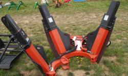 """MORE EQUIPMENT LIKE THIS AT RUSTYBOLTS.COM BOBCAT 36"""" TREE SPADE FOR SKID STEER DOES NOT LOOK LIKE IT WAS EVER USED! IN PERFECT SHAPE! STANDARD FLOW! WONT LAST LONG!! FEEL FREE TO CALL WITH QUESTIONS"""