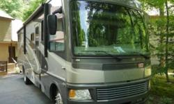 This is a Class A 2008 National Dolphin 6320LX, it has never been smoked in and no pets. Everything in this unit works, it runs and drives great.This is a single owner RV that is 34 FT in length, has