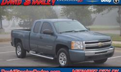 Vortec 4.8L V8 SFI VVT Flex Fuel, Automatic, and RWD. Extended Cab! Your lucky day! Have Questions? TEXT TO CHAT 24/7 . Work-enthusiasts rejoice at what the Silverado 1500 brings to the table. Consume