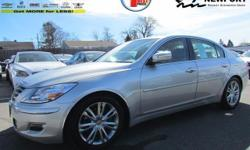 Drive around town in style in the used Hyundai Genesis for a fraction of the cost. Even with a few plus years on it, this car looks like new. An efficient engine yields 27 (MPG). Get all of this for $